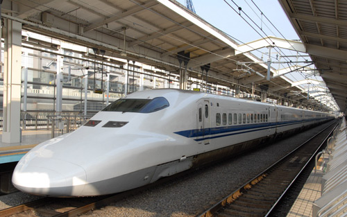 Experience the Beijing-Shanghai Fast Bullet Trains