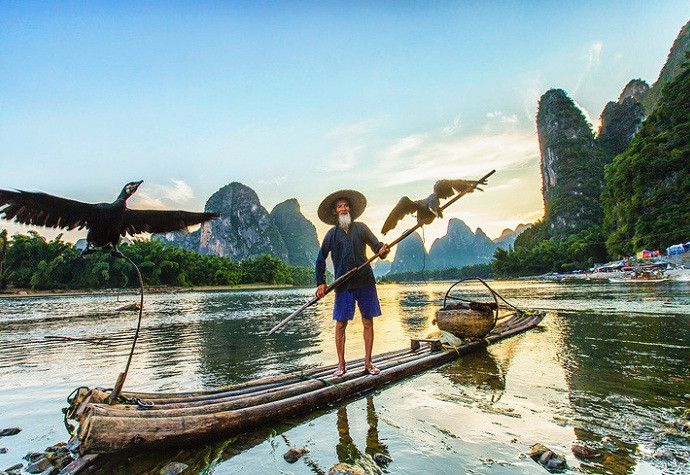 Fishing in Li River