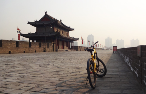 ancient-city-wall-bike-01