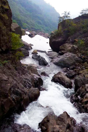 Mount Emei Streams