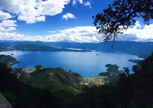 Emerald Blue Water in Beautiful Lugu Lake